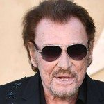 Suites d'un cancer du poumon, Johnny est mort.